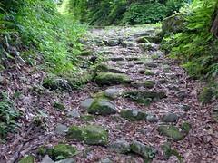 谷の石畳道
