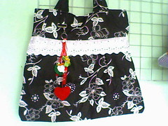 Bolsa Gy (Bychies Criaes) Tags: preta bolsa chaveiro algodo