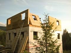La maison avec le 2nd étage presque fini !