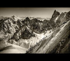 Way to Vallee Blanche B&W (Feo David) Tags: bw mountain snow france alps montagne alpes midi blanche chamonix freeride skier hautesavoie aiguille vallee