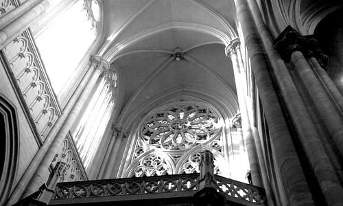 Blanco y negro by Mąirĉ Cousseau