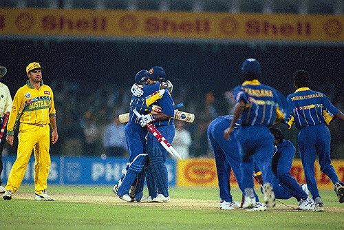 Arjuna Ranatunga and Aravinda de Silva hugs each other after winning the worldcup-Srilanka vs Australia Lahore final WC 1996