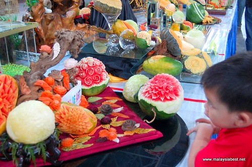 fruits and vegetables carvings