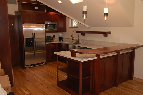 Compact cherry wood kitchen