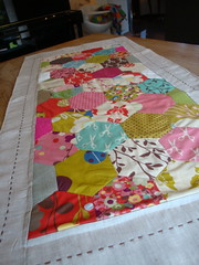hex table runner (ImAGingerMonkey) Tags: linen paperpieced wonderlandbymomo hexagontablerunner