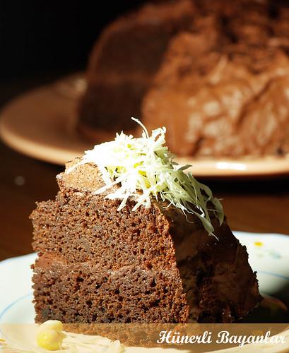Yoğun Çikolatalı Pandispanya