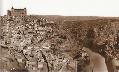 Vista del Alcázar y el río Tajo en 1872. Fotogafía de Jean Laurent. Archivo Ruiz Vernacci