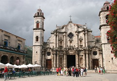 Catedral de San Cristobal, Havana Cuba (**El-Len**) Tags: travel tourism church architecture cathedral havana cuba tourists unesco explore baroque tp citysquare worldheritage plazadelacatedral havanavieja fav10 catedraldesancristobal worldwidetravelogue