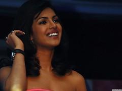 Priyanka Wallpaper (srkL) Tags: wallpaper smile watch laugh bollywood lachen priyanka chopra uhr glcklich clook happniess glueckich