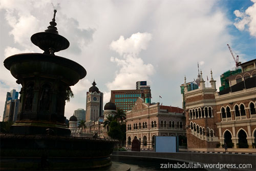 Sultan Abdul Samad Building captured from at the tall flag pole area