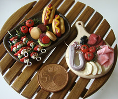 Miniature Party Food (PetitPlat - Stephanie Kilgast) Tags: tomato miniatures ham meat pork polymerclay fimo clay hamburger minifood platter dollhouse miniaturefood miniaturen