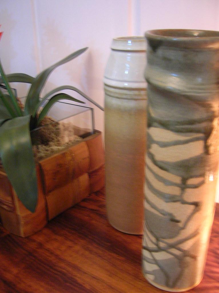vasos de cerâmica verdes