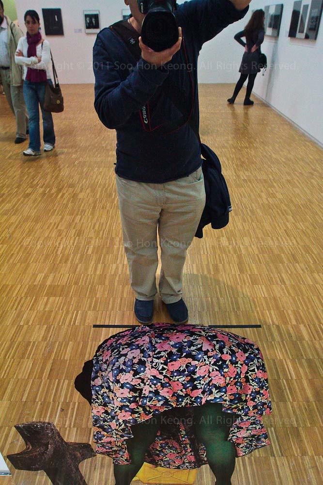 Voyeur Caught @ Centre Georges Pompidou, Paris, France