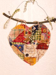Needful things Heart (Shabby Neesey) Tags: country patchwork primitive shabbychic needfulthings teastained