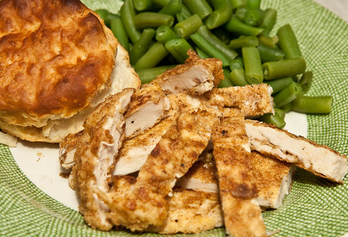 Paprika Chicken With Biscuit And Green Beans