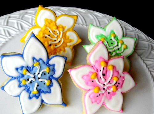Easter Lilly Decorated cookie