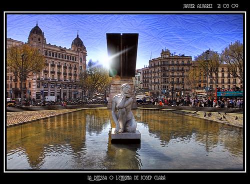 Plaza Cataluña - Josep Clara - La Deessa o l'Enigma (Barcelona)
