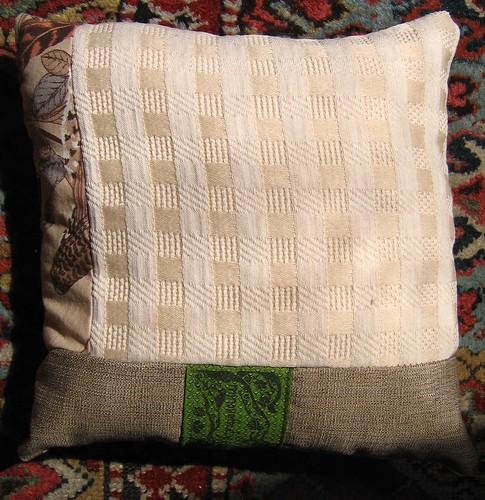 quail pillow reverse