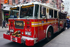 FDNY Dragonfighters (SBA73) Tags: nyc red usa ny newyork truck rouge rojo chinatown dragon unitedstates manhattan engine camion vermell fdny bomberos firefighters mottstreet bombers seagrave fd drac estadosunidos nuevayork pompiers novayork vigilidelfuoco cami ladder6 dragonfighters engine9 estatsunits