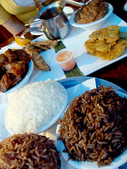 kalalu: three kinds of rice (white, red bean and black mushroom), griot, grilled chicken, fried green plantain and ratatouille (sheep sheep) Tags: food montreal caribbean stdenis kalalu
