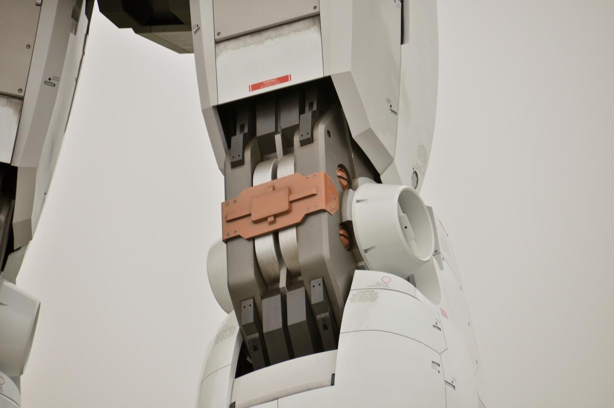 Gundam tamaño real pierna