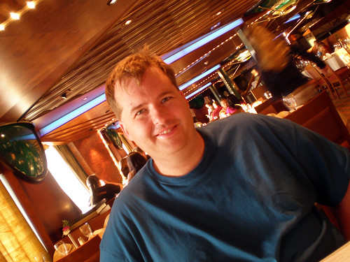 Carnival Elation - Mike in Imagination Dining Room
