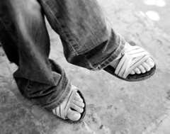terecua (adolfovladimir) Tags: blancoynegro amiga bn pies zacatecas adolfo guaraches