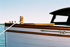 The Wheeler Emblem (La Branĉaro) Tags: ontario water st marina river emblem wagon joseph island 1 boat wooden marine fuji 33 superia w engine olympus 400 marys wheeler chrysler om om1 holder 1933 playmate algoma desbarats