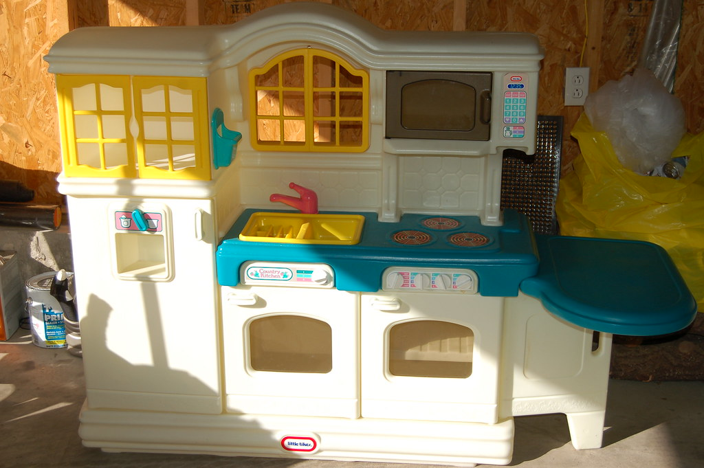 Little Tikes Country Kitchen- 40
