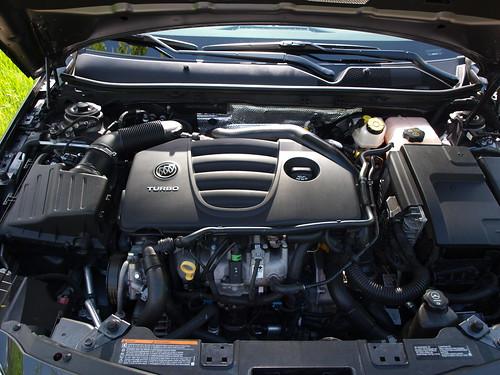 2011 Buick Regal CXL Turbo 9