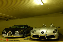 Bugatti Veyron Grand Sport Grey Carbon and SLR Stirling Moss (Julien Rubicondo Photography - julienrubicondo.com) Tags: auto sea slr cars water car sport port grey mercedes benz hotel boat moss al automobile roman harbour cannes stirling shell grand 360 s ps ferrari voiture monaco 330 f coche porsche octopus gto carlo monte gt carbon bugatti luxury supercar antibes luxe fairmont 250 sls zonda carrera gtb veyron 288 430 275 550 pagani pelorus 575 eclispe 599 458 mirqab huayra abramovitch worldcars marussia