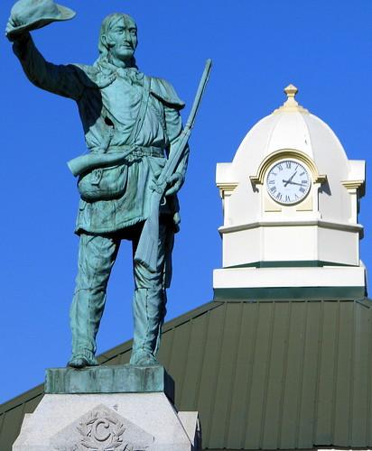Davy Crockett Statue 1