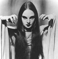 borland (plumaluna07@sbcglobal.net) Tags: vampires
