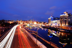 spring welcoming.. (Wowe101) Tags: city bridge urban reflection car night river spring nikon long exposure russia moscow tripod photographers trail sabah embankment kremlin welcoming  blueribbonwinner d40 patriarshy platinumheartaward nikkonflickraward 100commentgroup