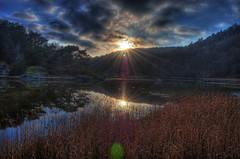 Sundsby (Johan Runegrund) Tags: blue sky sun sol forest nikon sweden gras sverige sunrays blå mjörn tjörn sundsby himel d40 solstrålar kållekärr