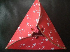 Japanese Red triangle card  09 closed (Gregelope) Tags: cards papercraft