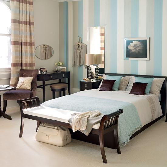 striped bedroom.jpg