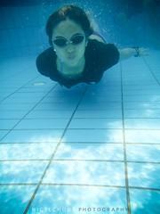 Jayne (Nigel Oswald Chong) Tags: sun pool swimming underwater goggles bubble