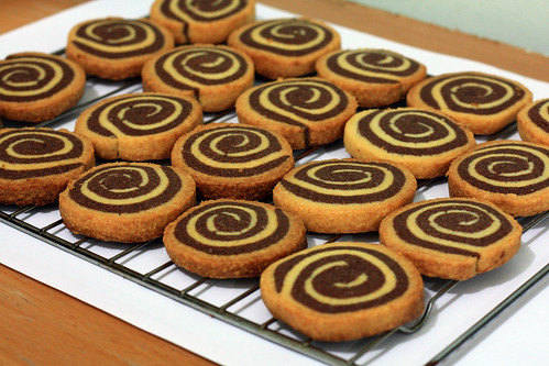 chocolate vanilla pinwheel shortbread cookies