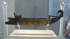 Lamp in the shape of a warship. Late 5th cent. BC (Tilemahos Efthimiadis) Tags: museum ancient hellas commons athens parthenon greece 100views wikipedia 400views 300views 200views 500views acropolis 50views antiquities wikimedia openstreetmap ελλάδα ακρόπολη αθήνα μουσείο newacropolismuseum παρθενώνασ address:city=athens dvdphotos16 osm:node=427276816 address:country=greece osm:node=353861002