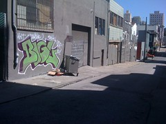 Big l (Woomp-wamps!) Tags: sanfrancisco chicago graffiti big san francisco desk chitown bombing amuse kwt bigl 2nr kwt2nr