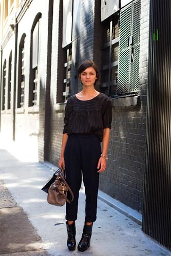 Pleated Black Trousers 4