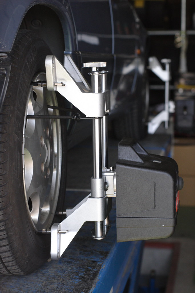 measurement of Wheel Alignment