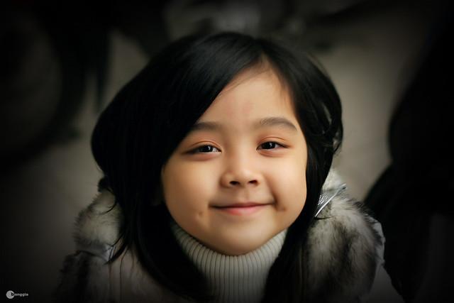 smiling little girl, em bé phố Hàng Cân