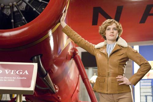 Amy Adams Amelia Earhart noche en el Museo