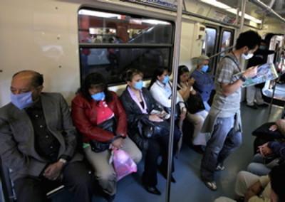 Metro con Cubre Bocas