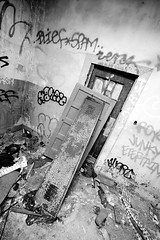 Layers (Thomas Hawk) Tags: sanfrancisco california blackandwhite bw usa abandoned graffiti blackwhite unitedstates 10 unitedstatesofamerica urbanexploration fav10 blief fleishhackerpool fleishhackerpoolhouse