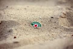 Heineken .... single (anka.anka28) Tags: beach beer heineken sand poland polska capsule explore cap kapsel piwo opener gdynia plaa pomorze piasek openerfestival piach openerfestival2009 lastfm:event=456727