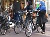 in bici col velo