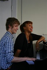 MPho gives Matt Edmondson a singing lesson on Pocket TV (Pocket TV) Tags: ericsson sony interview mpho pockettv mattedmondson